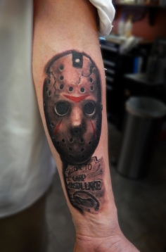 jason friday13 mask and sign