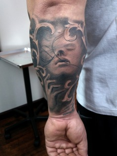 keving girl forearm